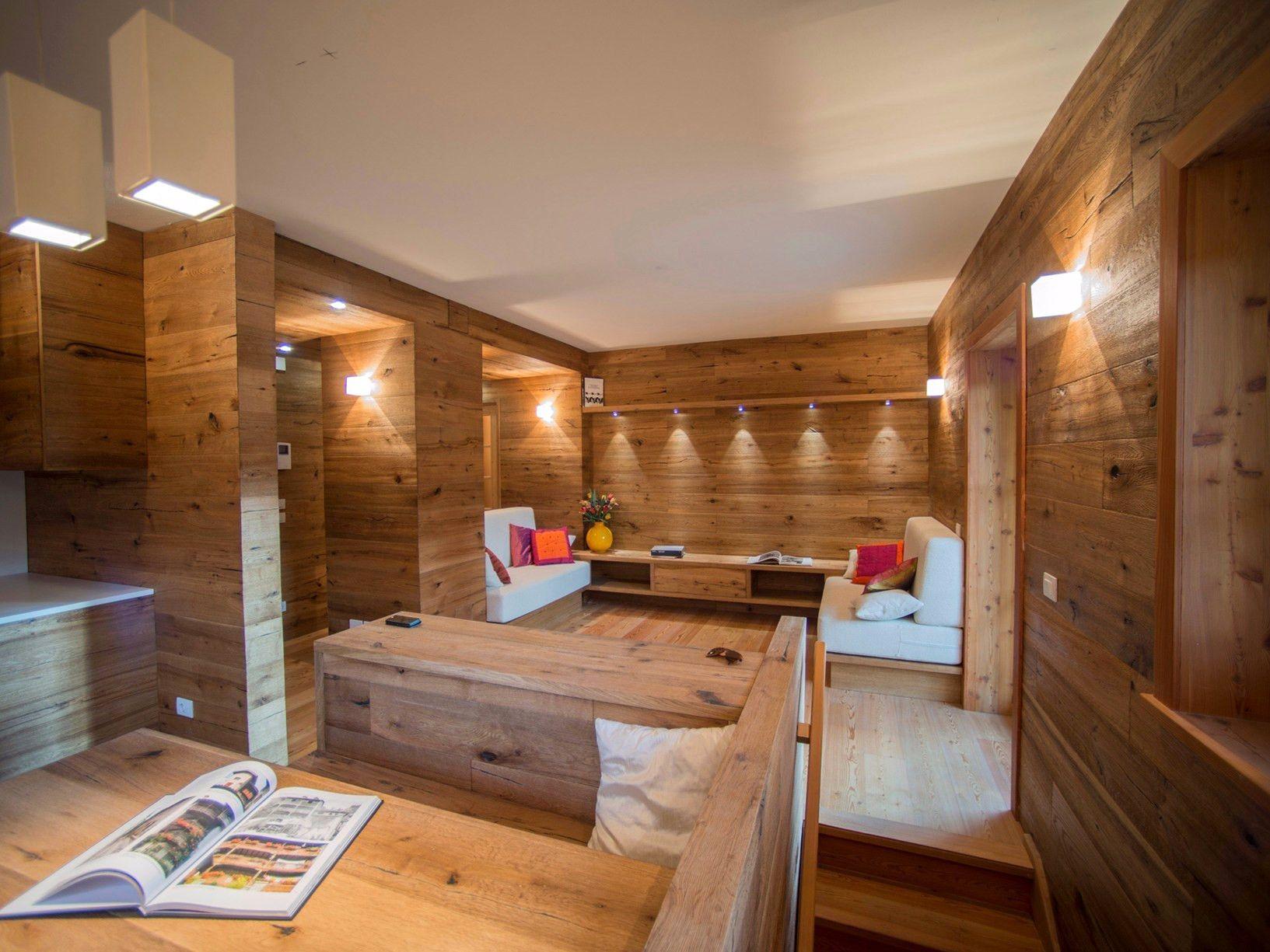 Plafoniere Per Tettoie In Legno : Travi in legno per soffitto good bo faretti su binario con