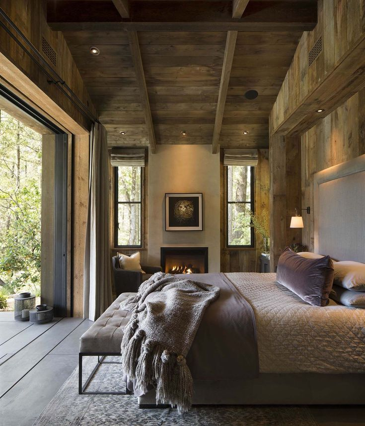 Napa Valley Home Decor: Small Woodsy Cabin Features A Cozy Farmhouse Style In Napa