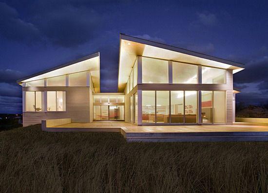 Green Home On Cape Cod Near Zero Energy Home Modern House Architect Modern Beach House Beach House Design Beach House Exterior