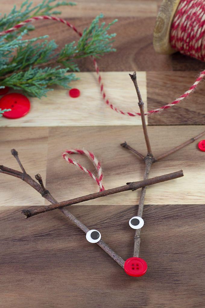 DIY Christmas Twig Reindeer Ornaments