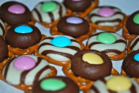 Chocolate Pretzel Ring Candies Recipe Candy recipes
