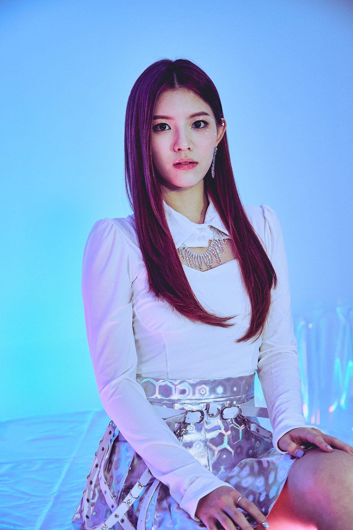 Girlkind Members Profile Updated Kpop Girls Kpop Girl Groups Look At The Stars