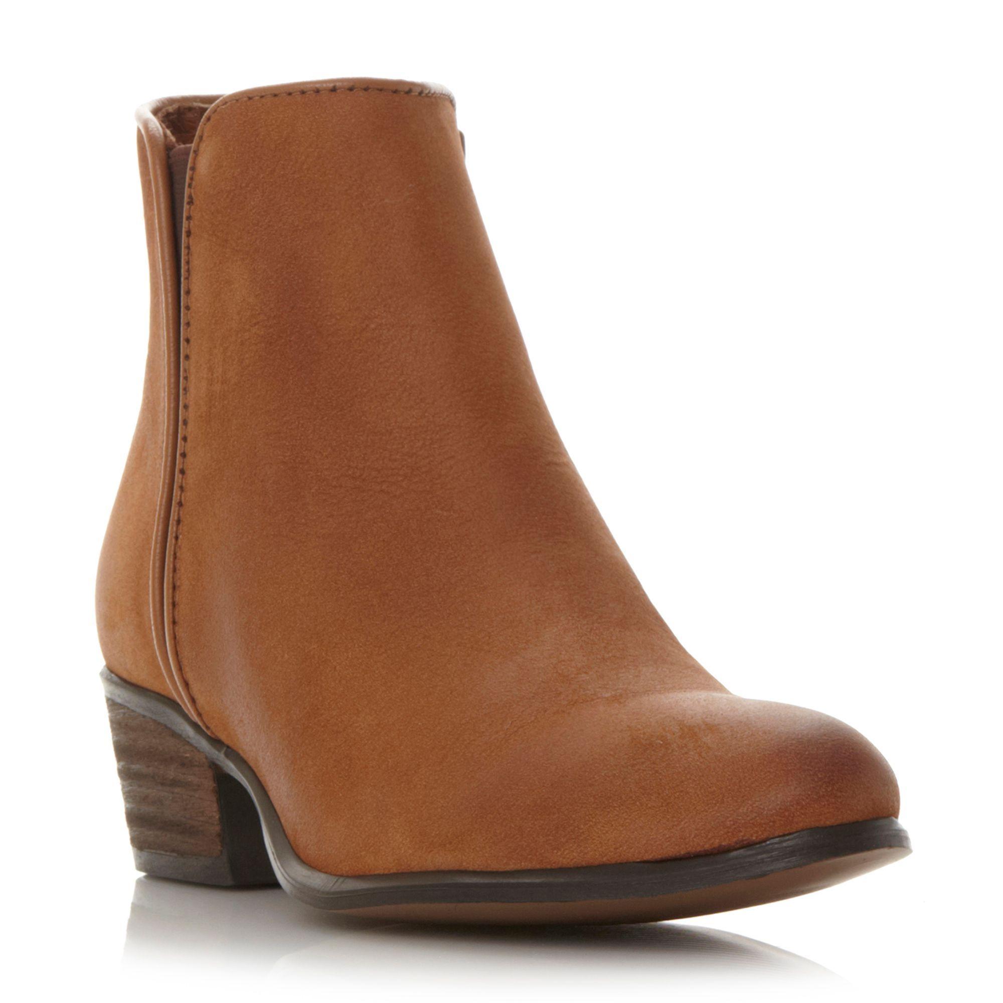 Steve Madden Nitro line gusset low boots, Tan
