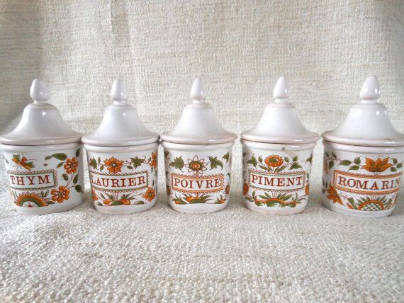 Antique french kitchen decor spice container canister Moustier style - Orange and green