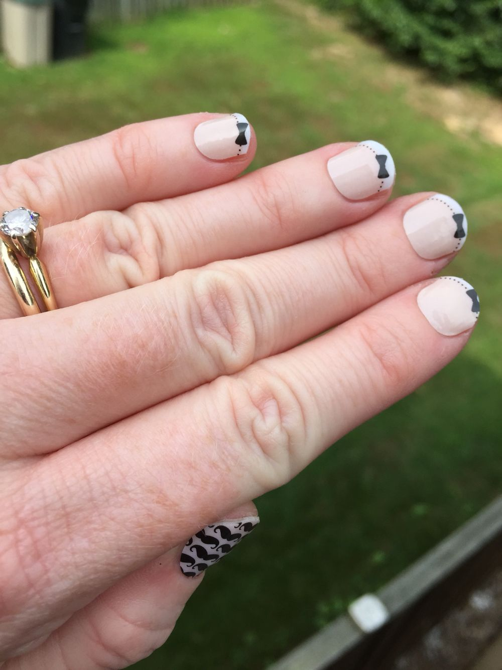 French tip bows with Mo Mo | Jamberry Nails on hands | Pinterest ...