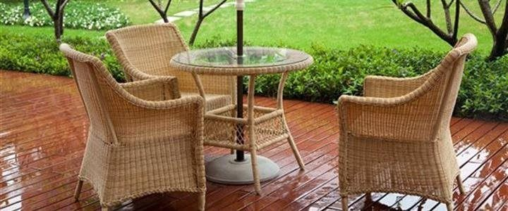 4 tips to preserve outdoor patio furniture during the winter.