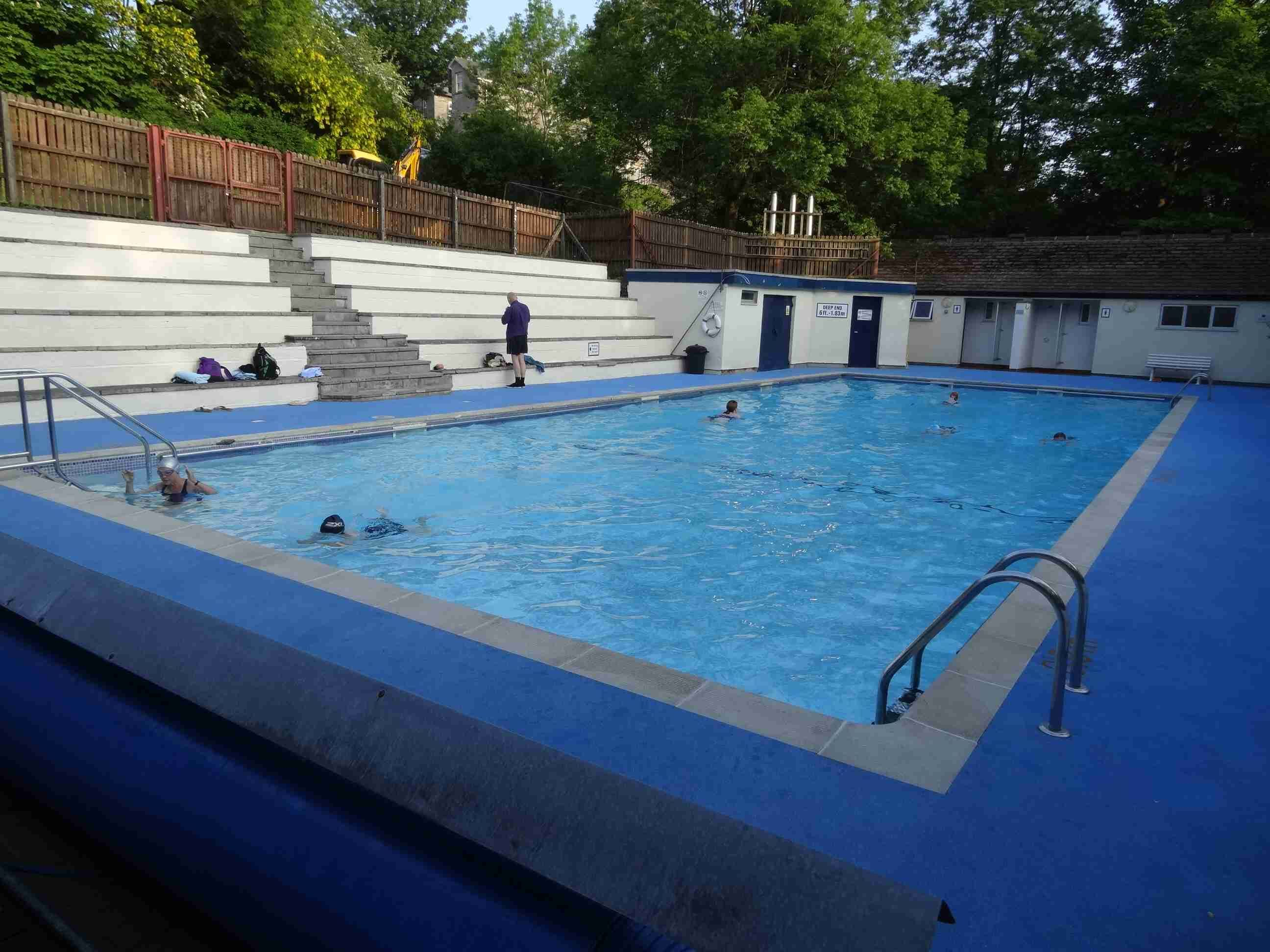 Ingleton outdoor swimming pool in it 39 s riverside setting - Swimming pools in south yorkshire ...