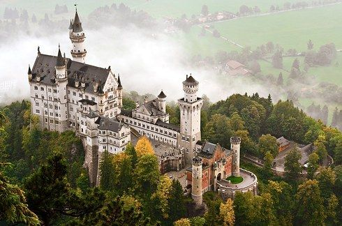 26 Real Places That Look Like They Ve Been Taken Out Of Fairy Tales Neuschwanstein Castle Germany Castles Castle