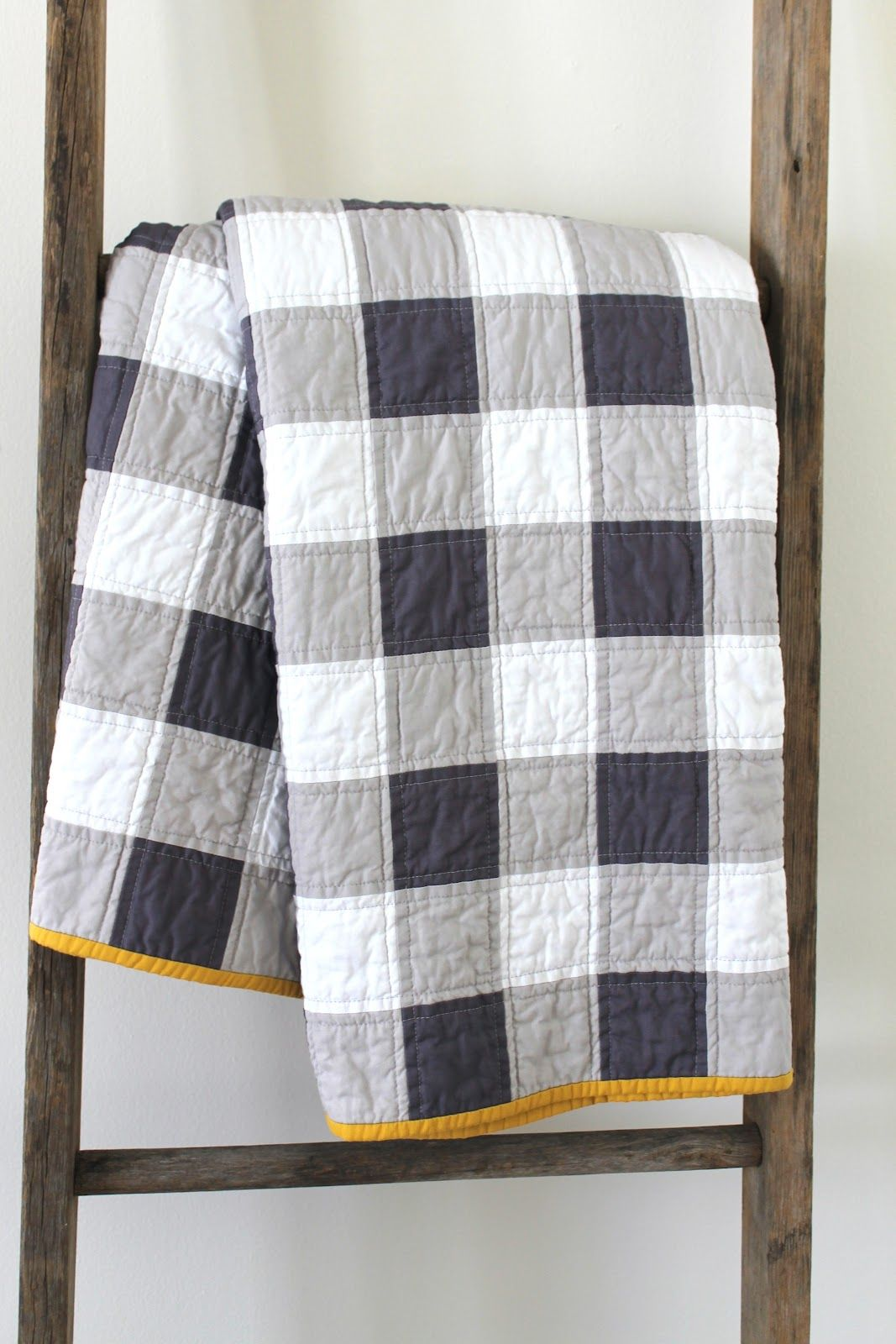 Piercing ideas for quilt backing  Gingham patchwork quilt  fun idea to create the gingham plaid