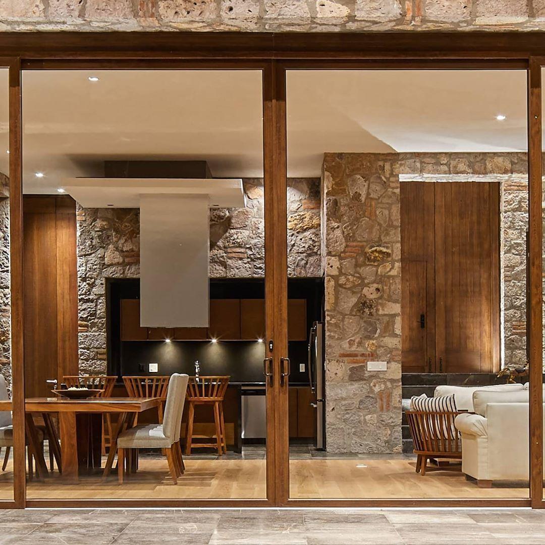 """Antonio Farré Arquitecto on Instagram: """"Casa SM - Antonio Farré Arquitecto. Fotografía:@aldocgracia. . . #casa #moderninteriors #interiorismo #homeinteriordesign #minimalistdesign…"""""""