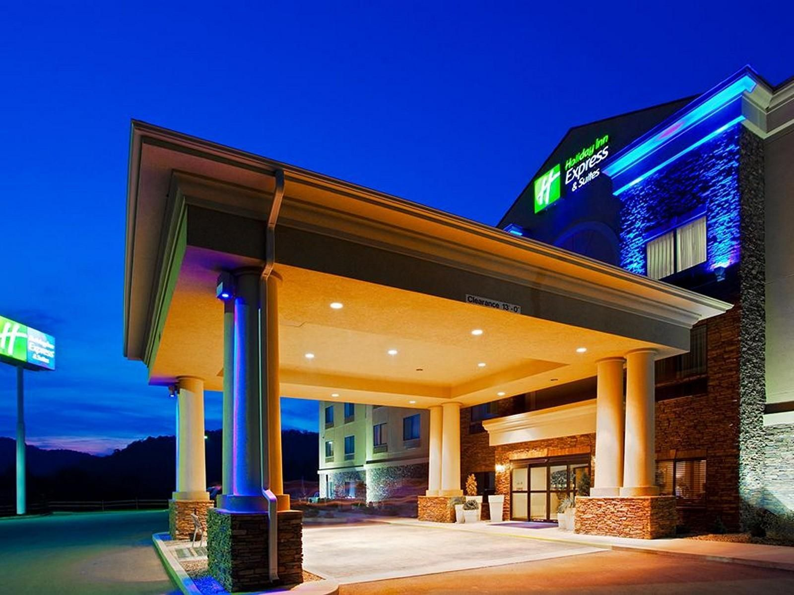 Weston (WV) Holiday Inn Express Hotel & Suites Weston