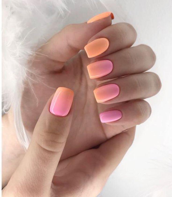 Photo of Sehr niedliche Bonbonfarben Nail Verfahren Konzept warme Jahreszeit