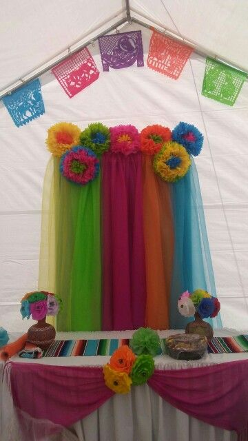 Leslie erics mexican themed baby shower for our boy for Decoracion kermes mexicana