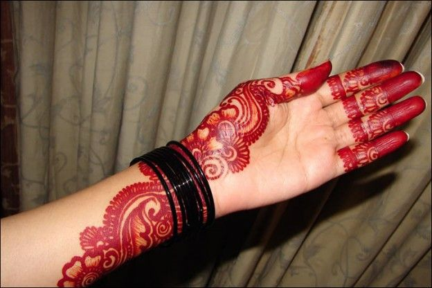 10 Latest Red And Black Mehndi Designs For You With Images