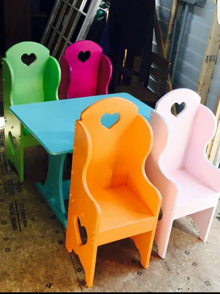 Vintage Furniture · Isnu0027t This Kiddie Table The Sweetest! Heather L Of Orange  Park, Fl