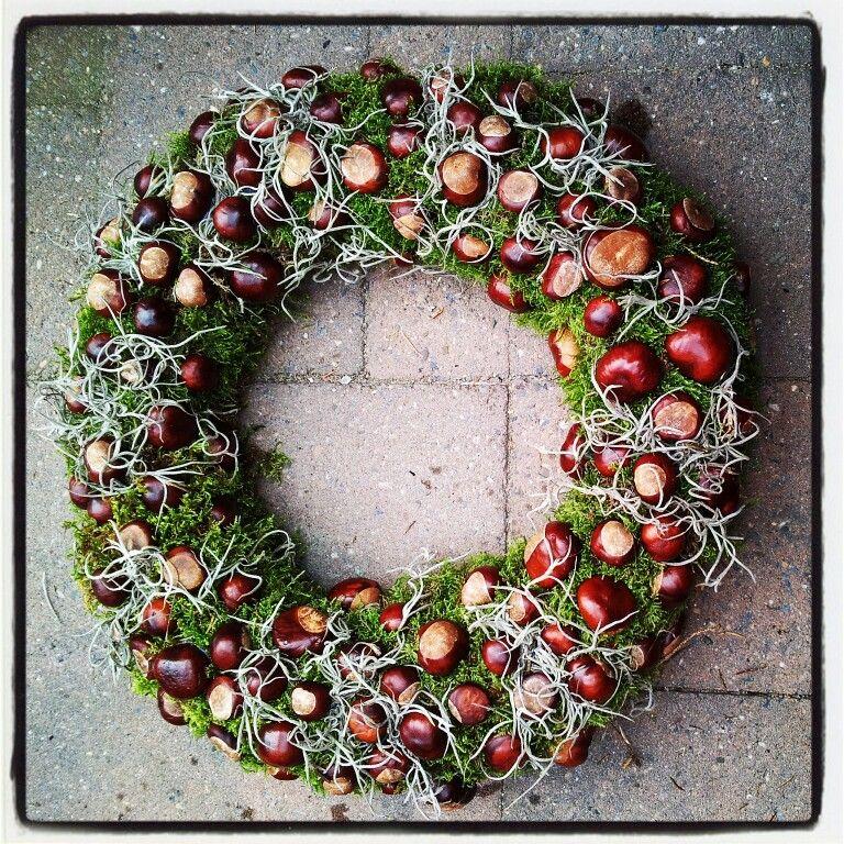 kastanje krans herfst wreaths for all seasons herbst kranz basteln herbst. Black Bedroom Furniture Sets. Home Design Ideas