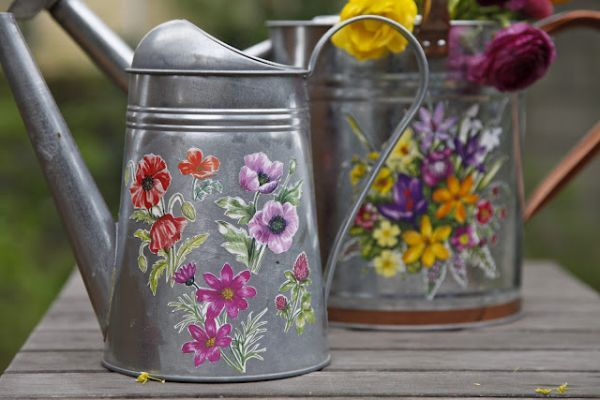 Tin Watering Can in Antique Gray for Rustic Yard Decorations Crafting