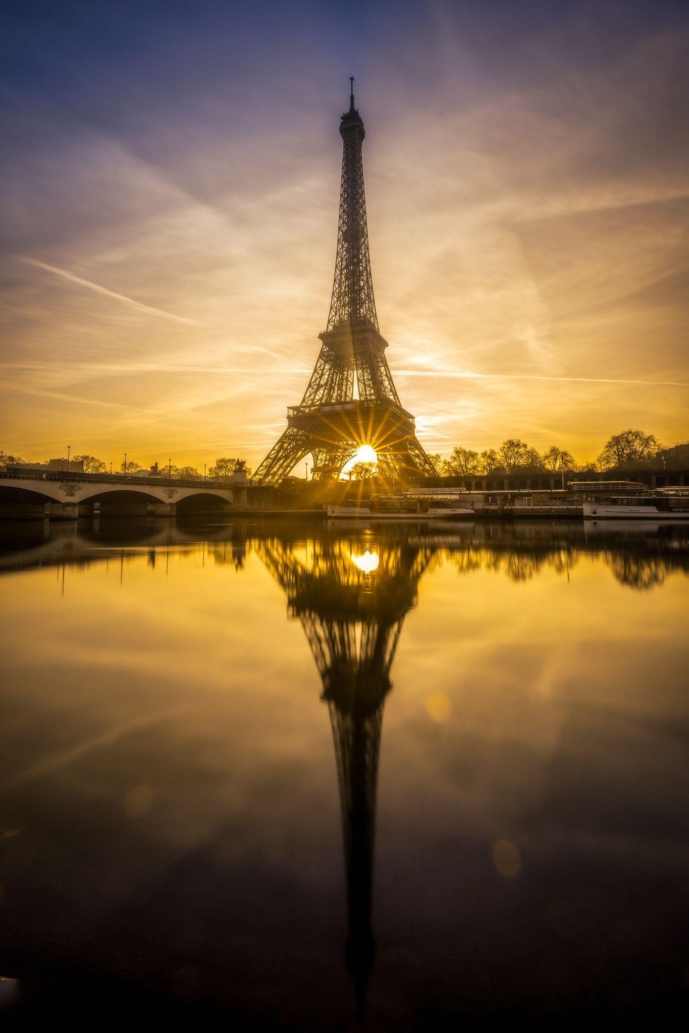 Sunrise on the eiffel tower at paris coucher de soleil sur la tour eiffel paris et mirache - Lever et coucher du soleil paris ...