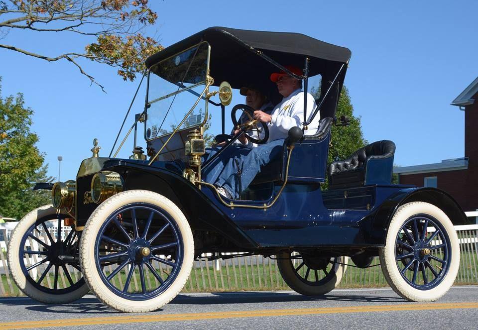 Photos From Anthony R De Seta S Post In Anthony R De Seta Antique Cars Ford Models Vintage Trucks