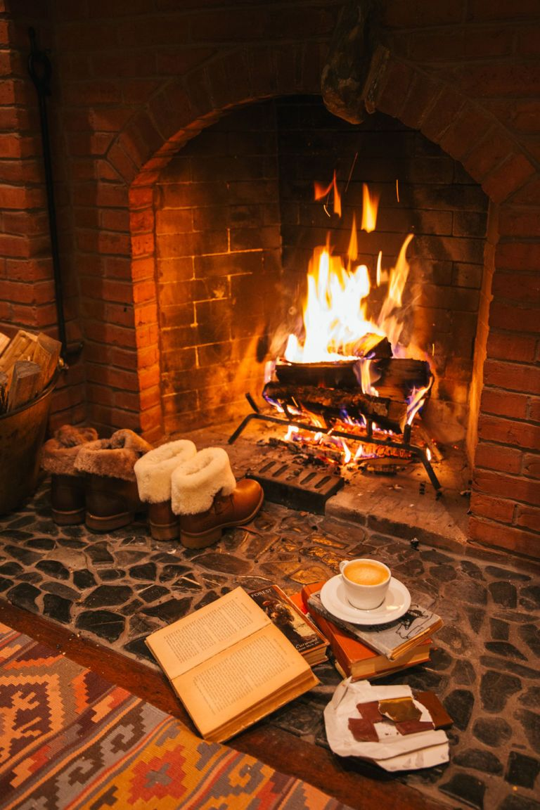 11 Cozy Photos of Fireplaces That Will Make You Want To Stay Inside All  Winter   Cozy house, Cozy fireplace, Cozy
