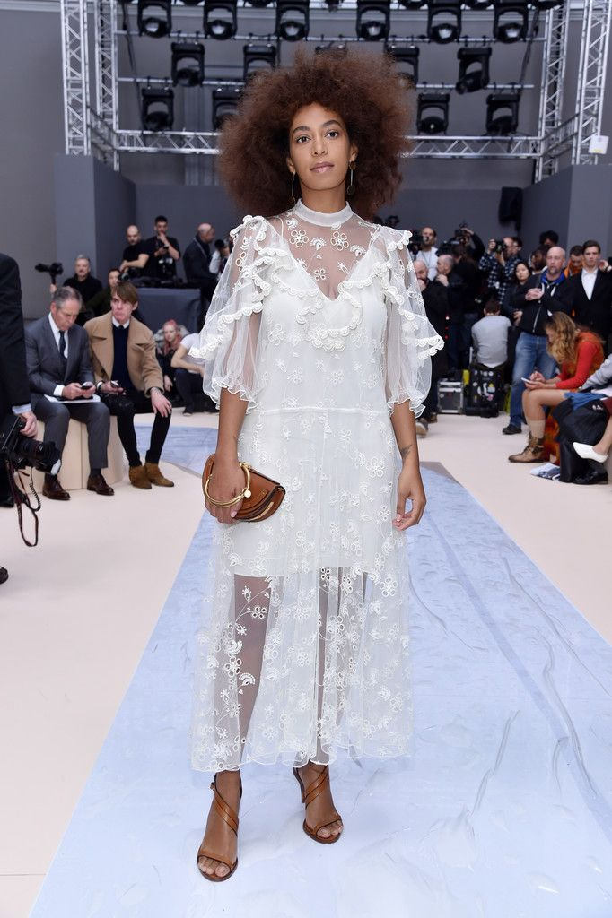 Solange Knowles Photos Photos - Chloe : Front Row - Paris Fashion Week Womenswear Fall/Winter 2017/2018 - Zimbio