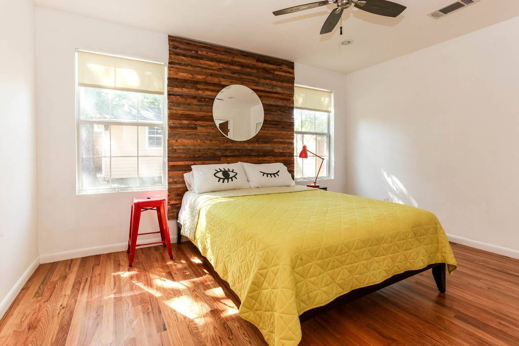 House In Austin United States As Featured Design Sponge This Amazing 3 Bedroom 2 Bath Bungalow Is The Perfect Location For Everything