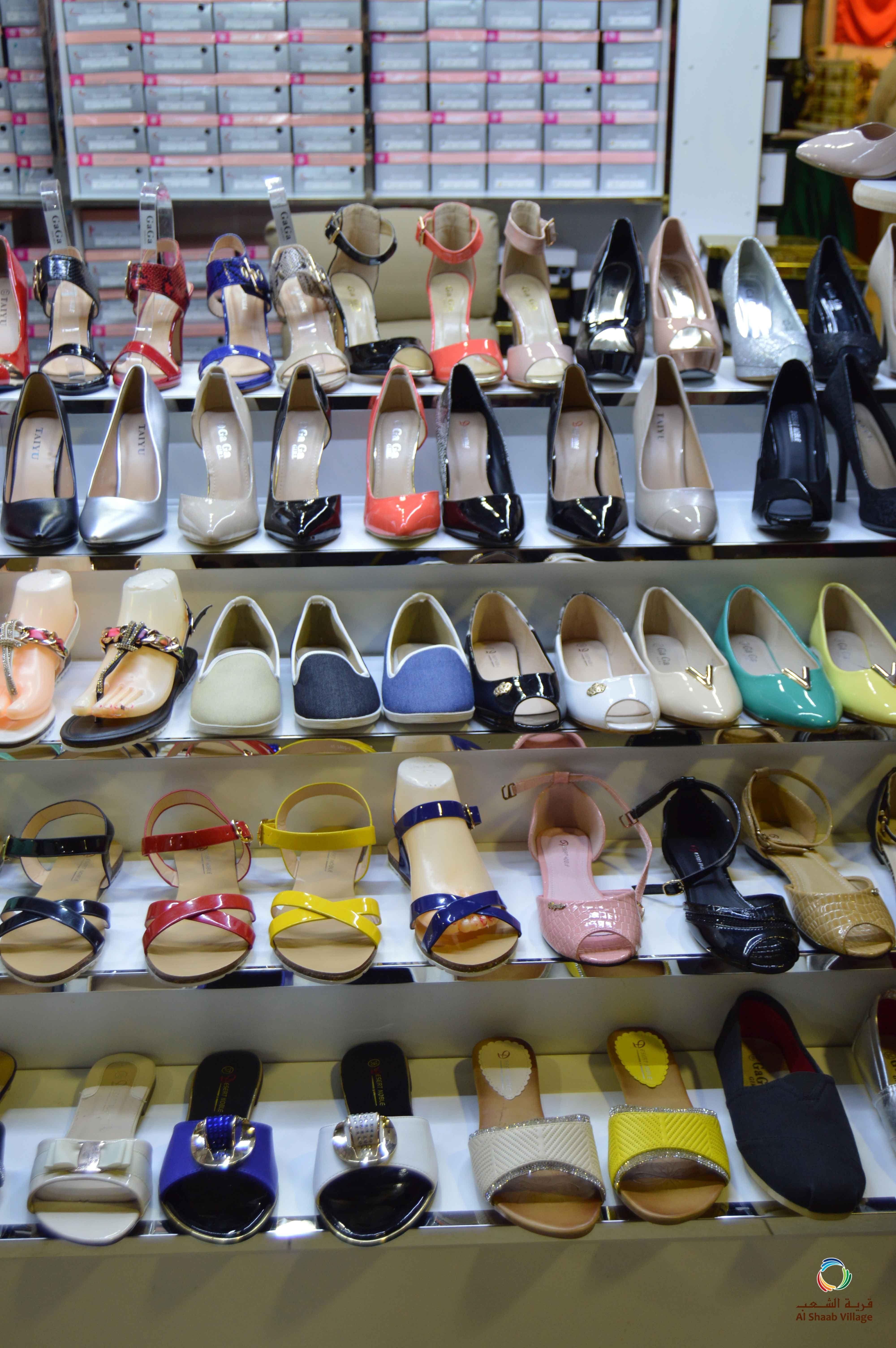 قرية الشعب بنادي الشعب الشارقة Al Shaab Village In Al Shaab Club Sharjah Sharjah Uae Alshaabvillage Shopping Traditional Dresses Shoe Rack
