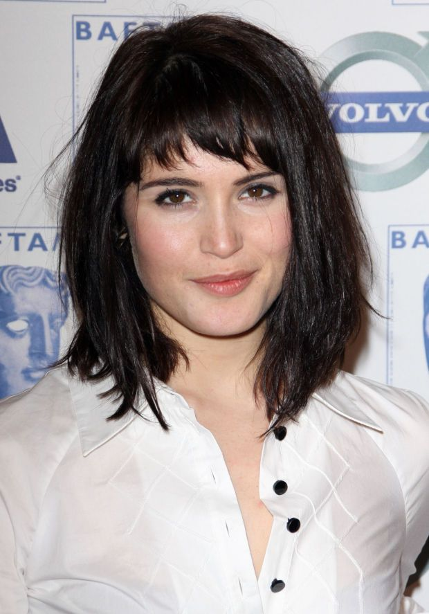 How to Keep Long Hair Out of Your Face   CABELLO   Pinterest   Gemma     Gemma Arterton at the 2009 BAFTA Tea Party   http   beautyeditor ca 2015 04 23 haircut to keep hair out of face