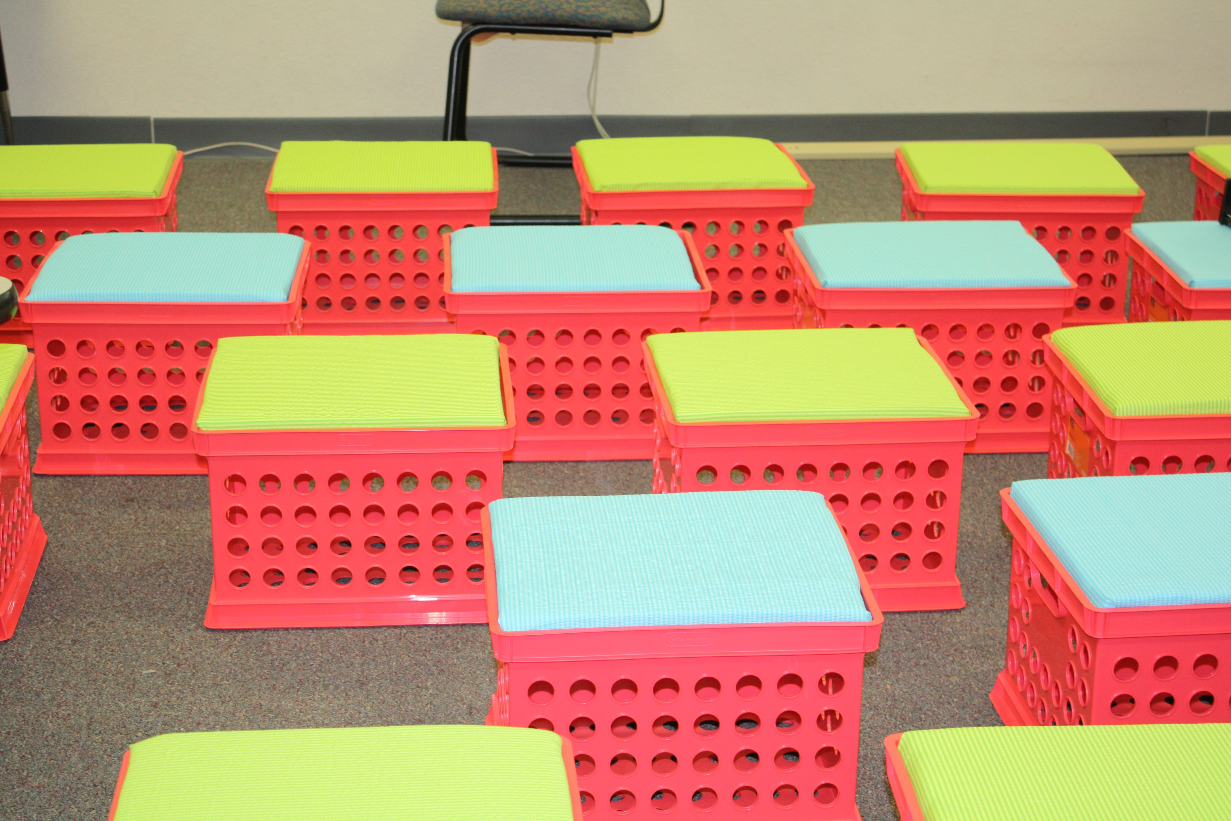 Best Diy Cute Crate Seats – A Cheap And Easy Seating Option 400 x 300