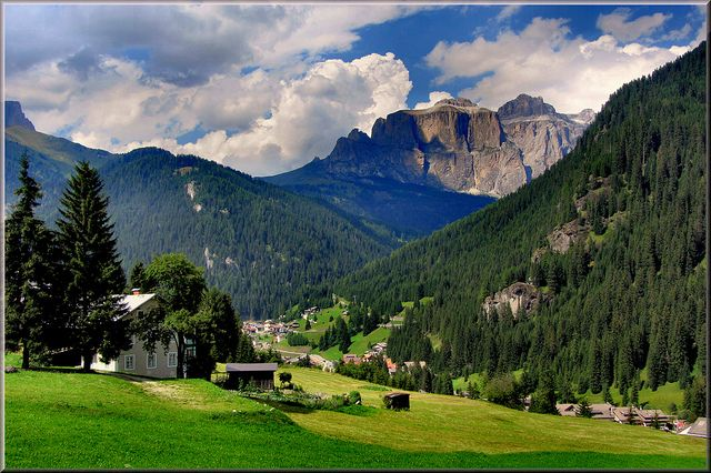 Dolomiti - Val di Fassa by Luigi Alesi, via Flickr ...