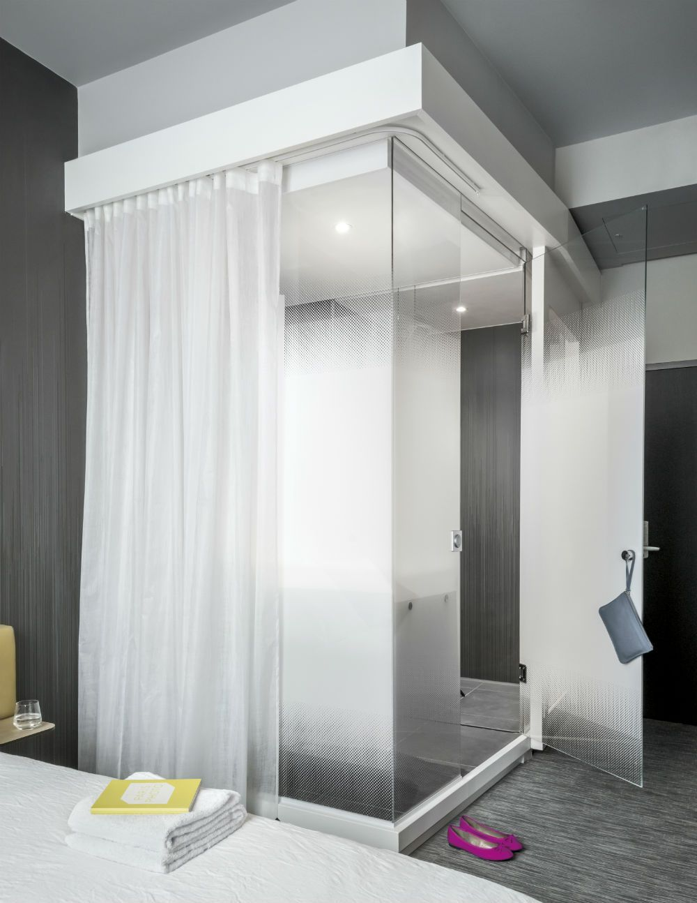 la salle de bain okko hotels lyon pont lafayette salle salle de bain und lyon. Black Bedroom Furniture Sets. Home Design Ideas