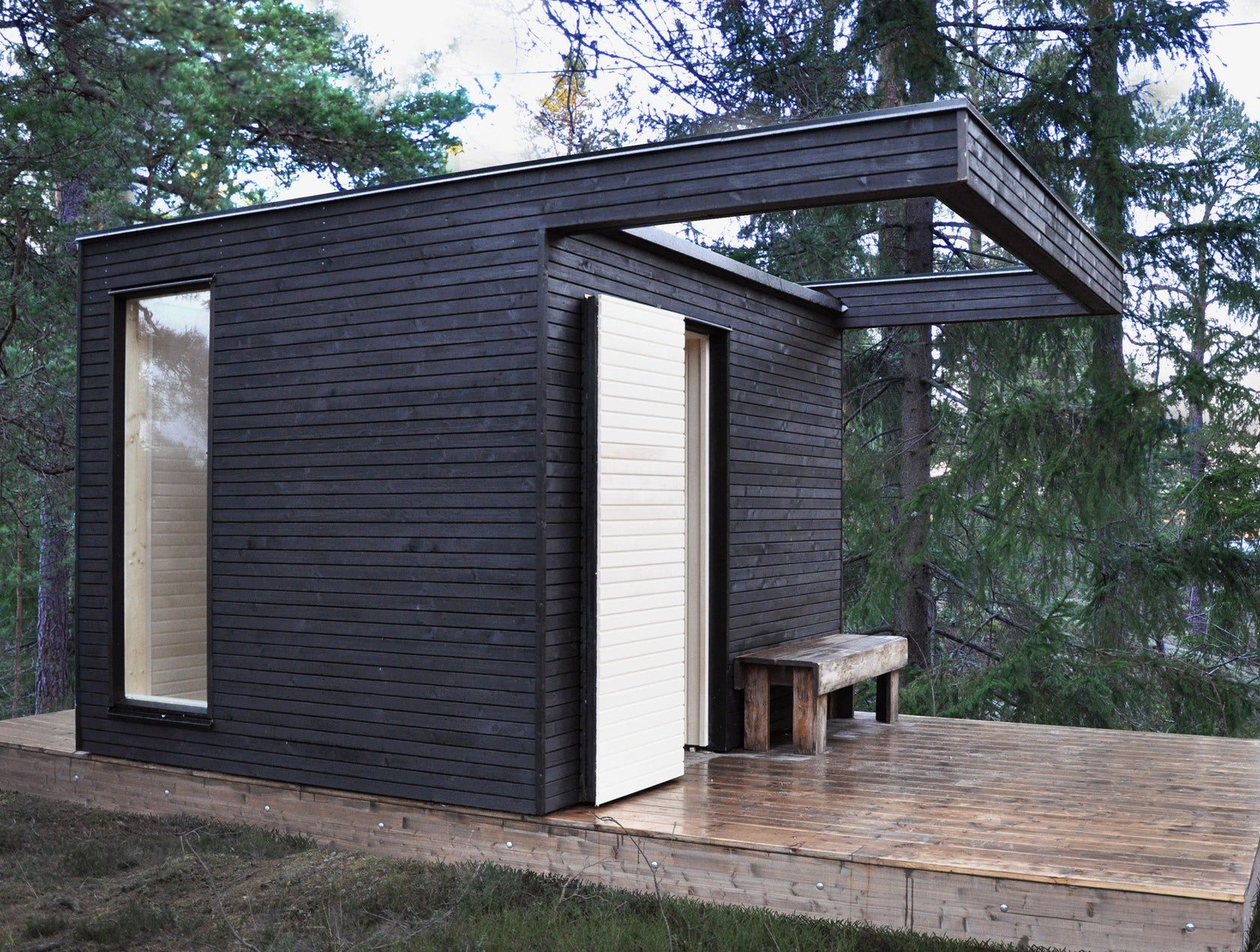 A Little House With Great Potential The One Minihouse Is Built By Scandinavian Carpenters And Delivered In One Piece Re Sauna House Outdoor Sauna Sauna Design