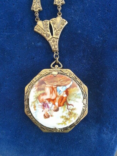 Victorian reproduction locket 70's@  Geri's Jewels
