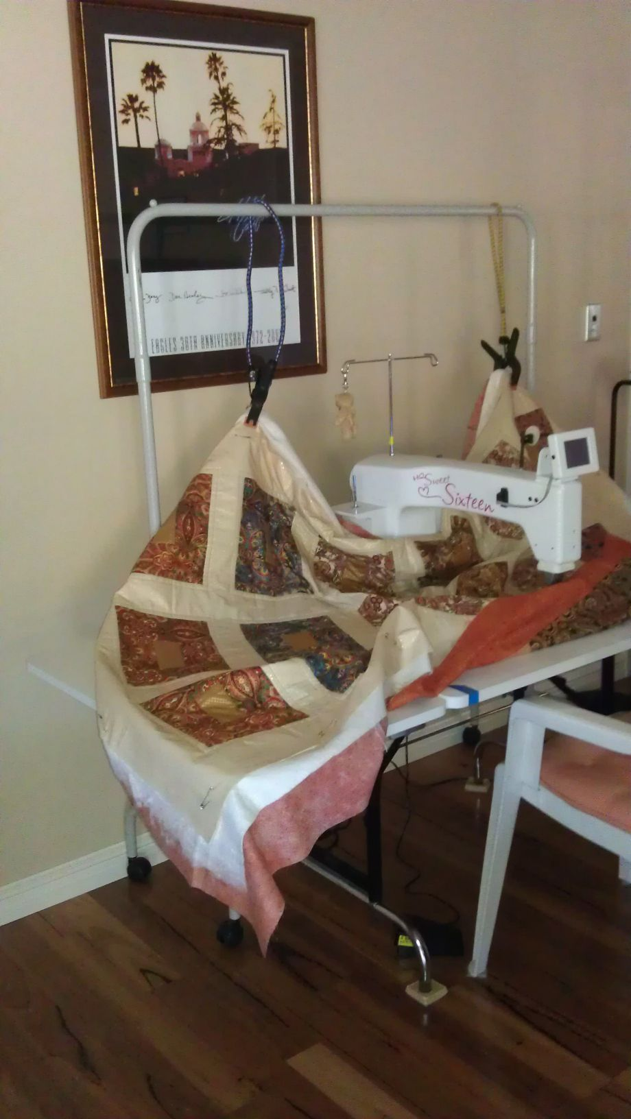 Improvise! Bungee cord system to hold up quilt and eliminate the ... : machine quilting a large quilt - Adamdwight.com