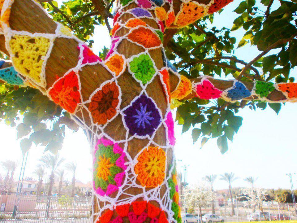Makinology: Yarnbombed Tree In Tel Aviv By Alona Zloof Lavi U2026 ~u2026(via Yarn  Bomb Friday