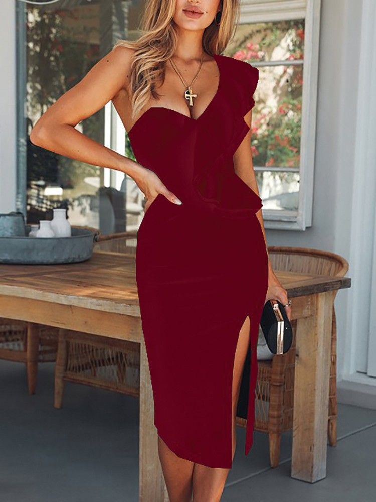 868b55f57a7 Solid One Shoulder Ruffles Trim Slit Bodycon Dress  26.99  voguelily com  via  sunjayjk  dress  bodycondress  cocktaildress via  sunjayjk