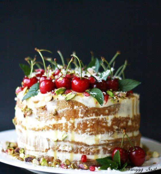 Rustic Christmas Cake...so pretty!