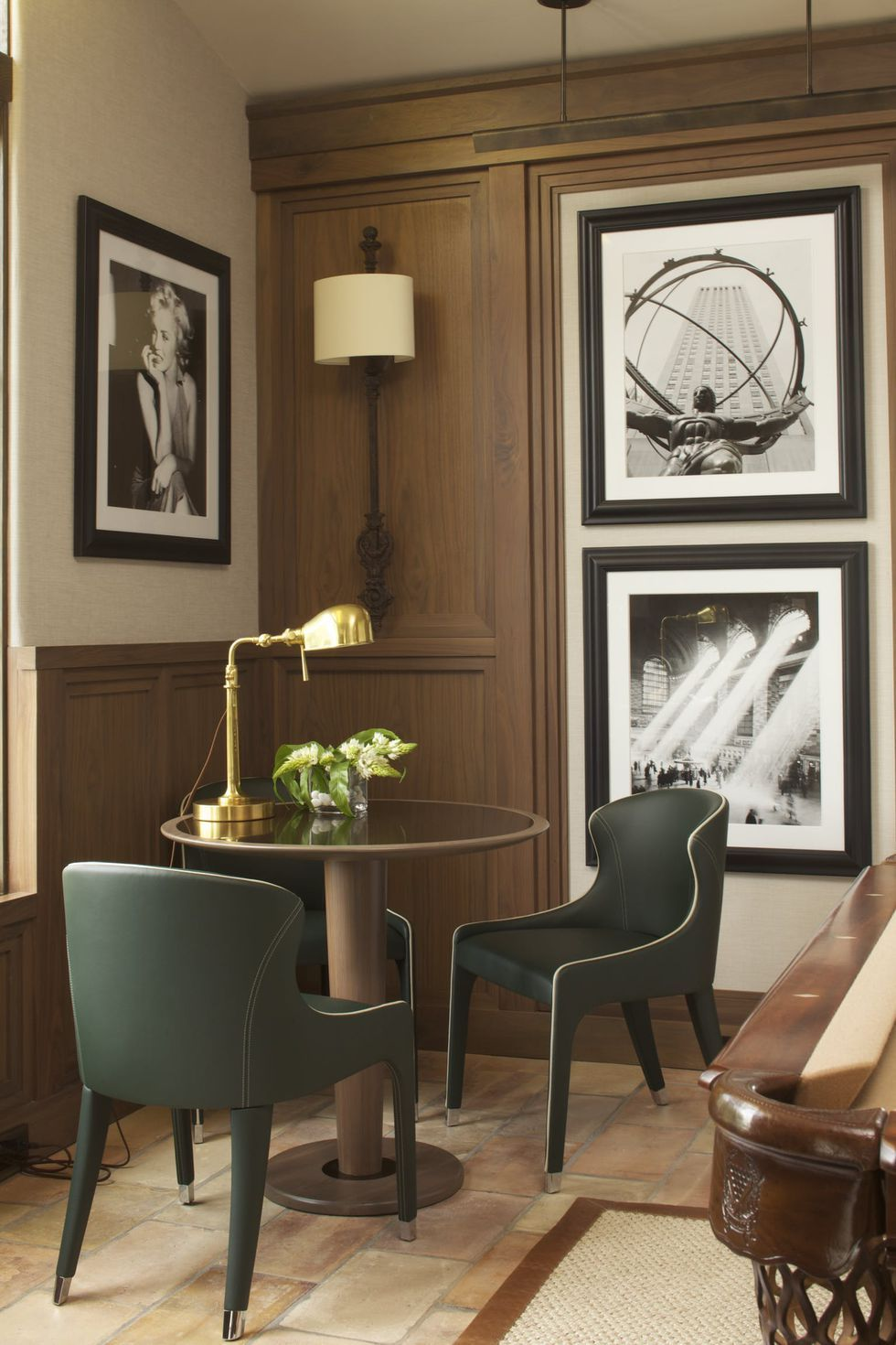 Our Favorite Ideas For Designing A Room With Large Scale Photography Interior Design Games Interior Home