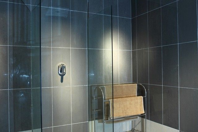 Bathroom Wall Tiles Horizontal Or Vertical Bathroom Ideas Designs Contemporary Bathroom Tiles Bathroom Wall Tile Contemporary Bathroom