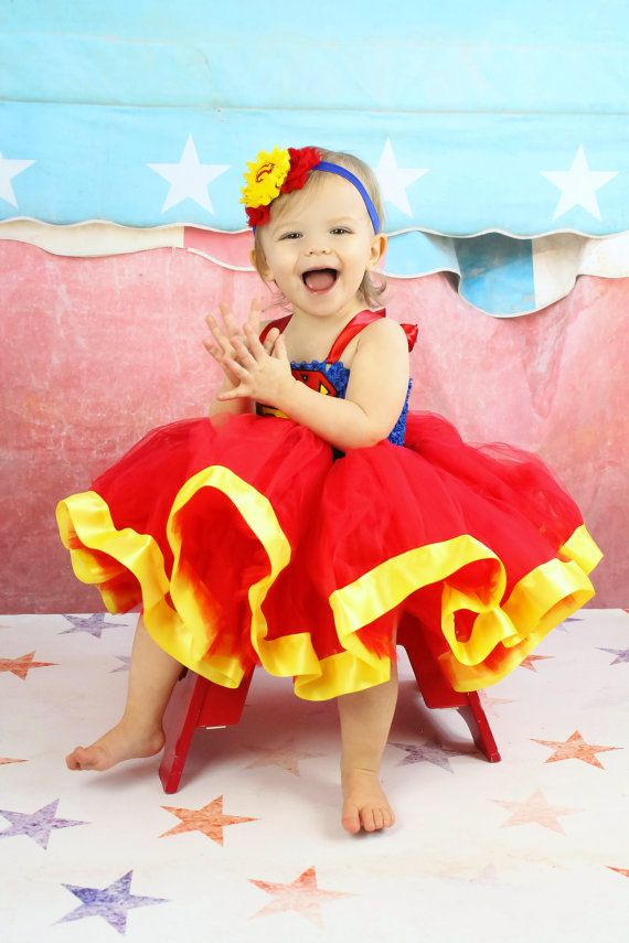 Superman Tutu Dress...Superman por TutullyCuteDesigns en Etsy