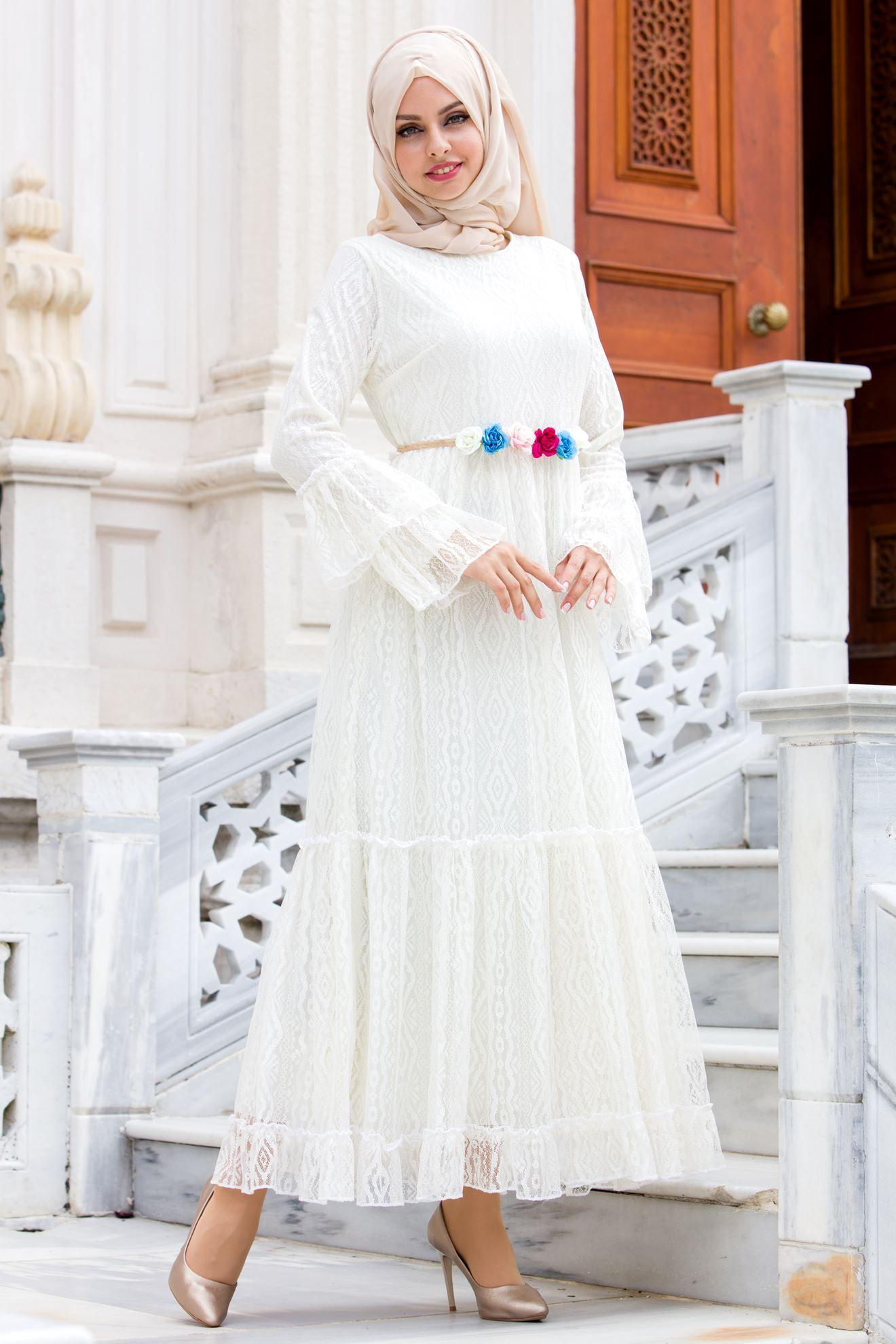 Sedanur Cicek Detayli Dantelli Tesettur Elbise Modelleri Moda Tesettur Giyim Elbise Modelleri Elbise Giyim
