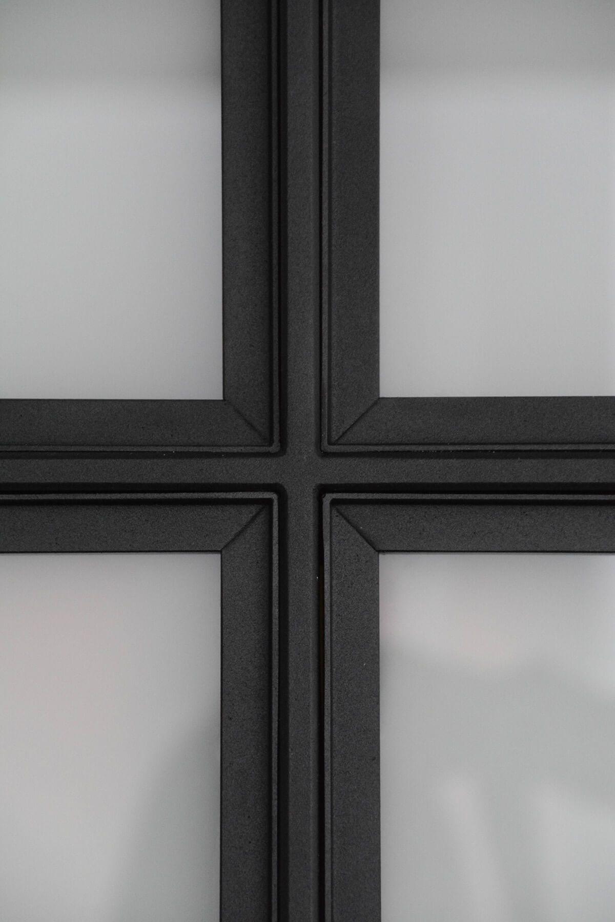 Steel window frame – Handmade by Stalendeurenmeesters.nl