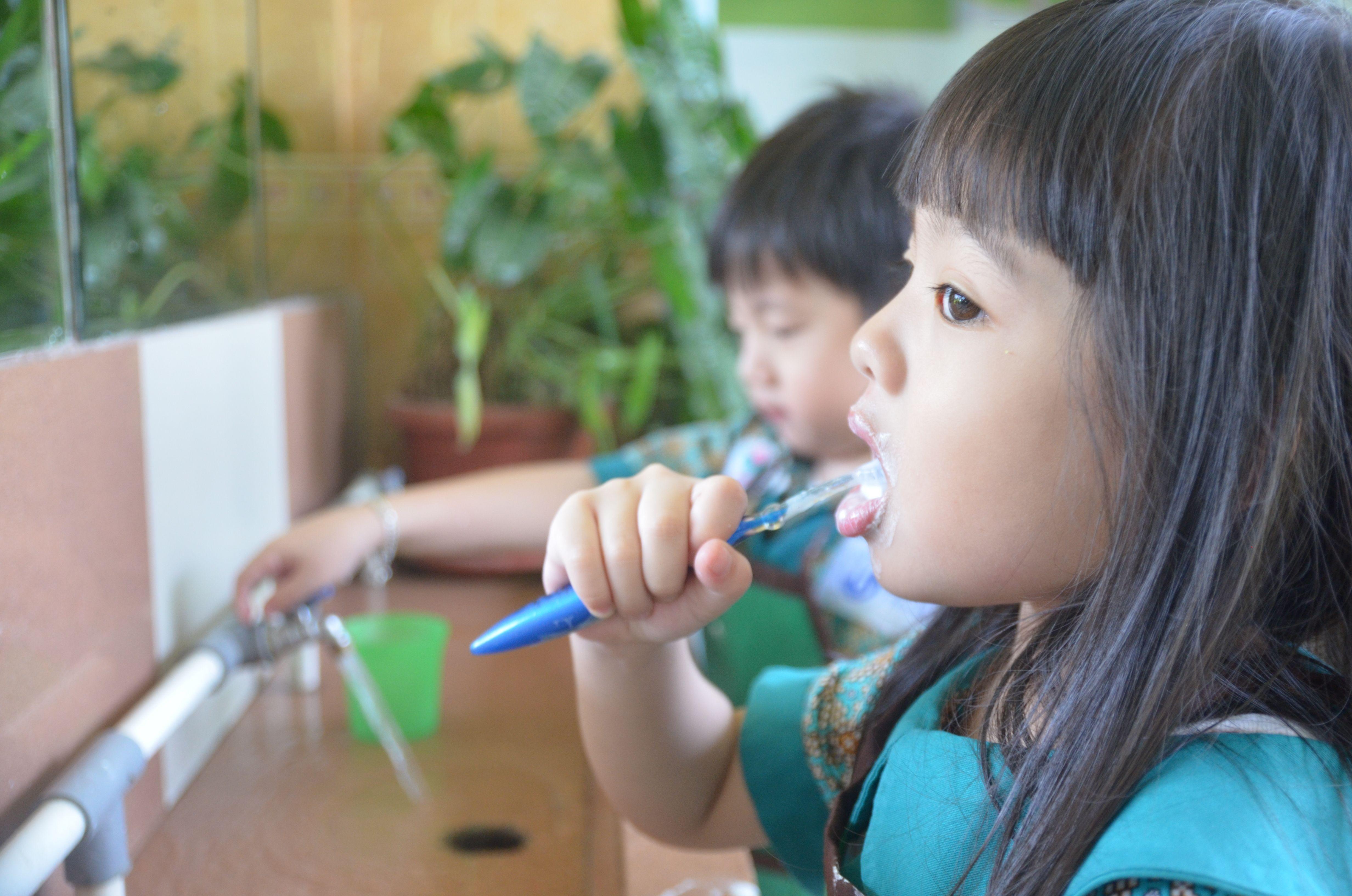 cara mengobati sakit gigi di rumah