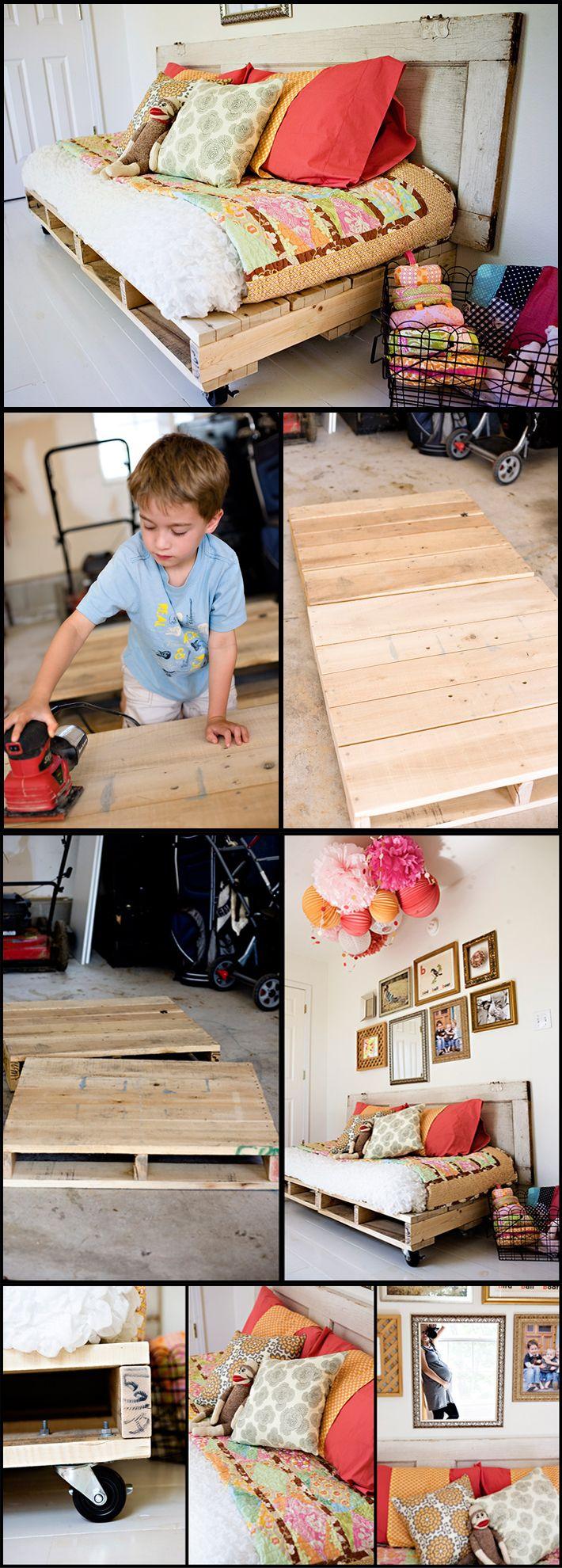 Sof cama m vil para una guarder a manualidades sof cama sof y camas - Reciclaje de pales ...