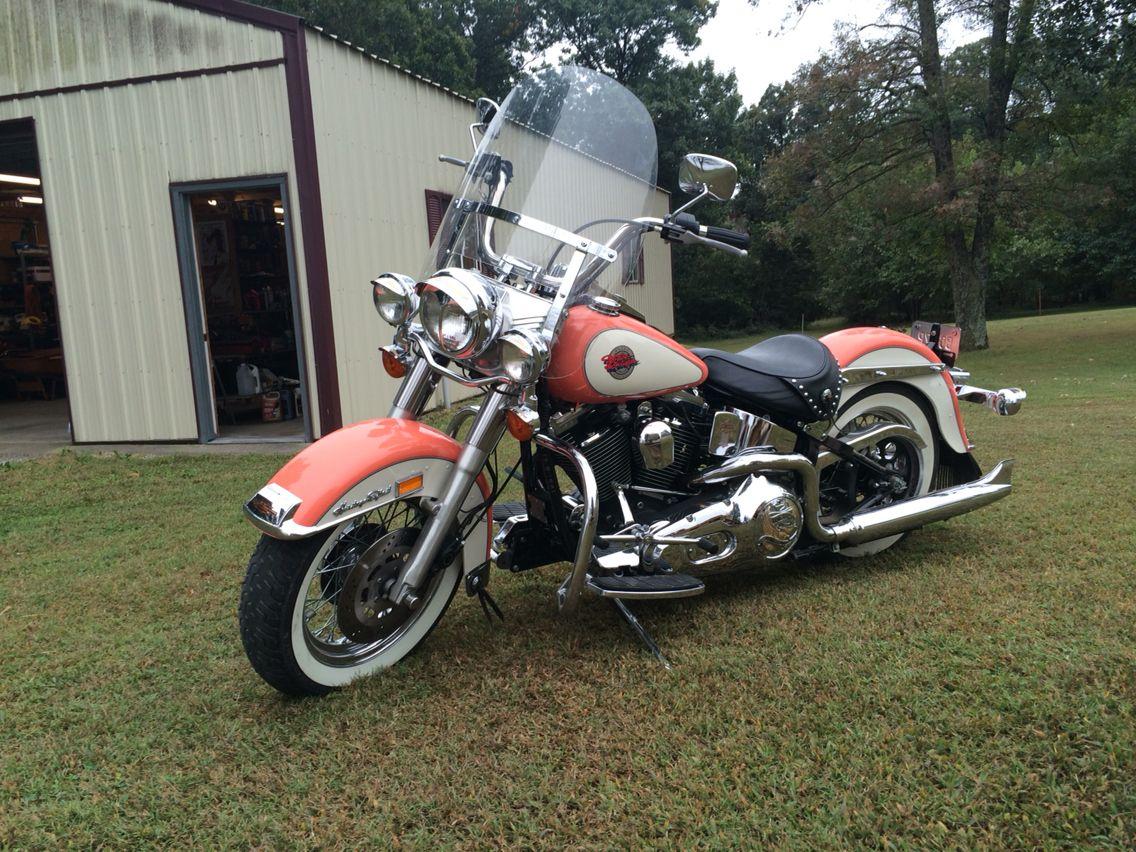 92 Harley Davidson Softail Peaches Cream