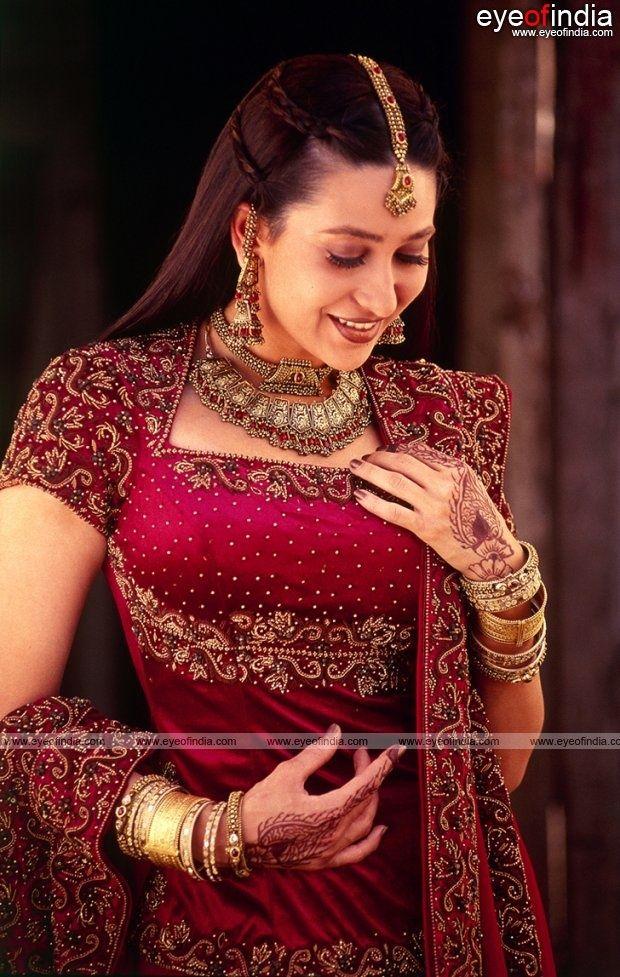Karishma Kapoor in bridal dress   Bollywood Brides (عرائس ...