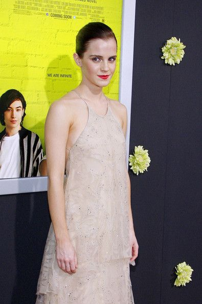 Emma Watson Photos - Stars at the Premiere of 'The Perks Of Being A Wallflower' - Zimbio