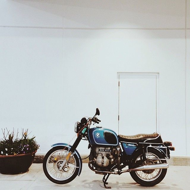 bobby's classy big blue is back on the road! #bmw #r90/6 #r90