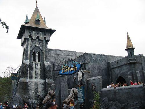 d562621cfbc1992c86457d5f16972654 - Curse Of Darkastle Busch Gardens Williamsburg