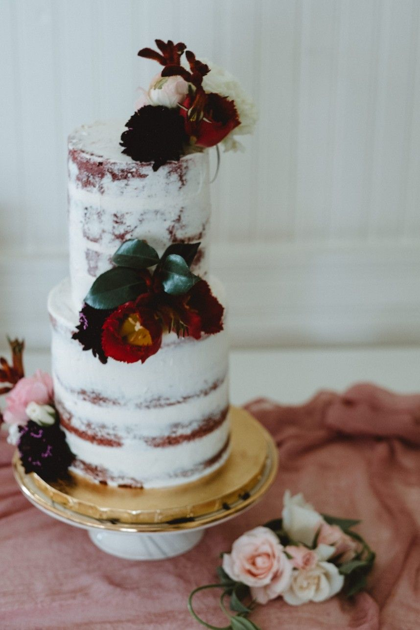 We Are Loving This Raw Look Of Wedding Cakes That Have Been